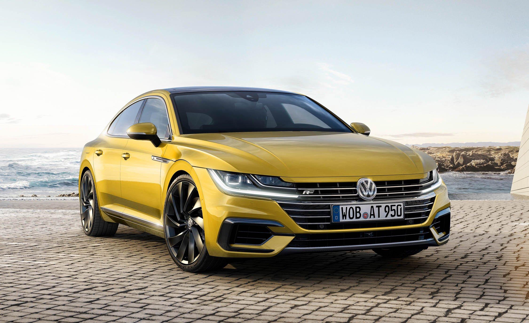 Озвучены сроки появления Volkswagen Arteon в России