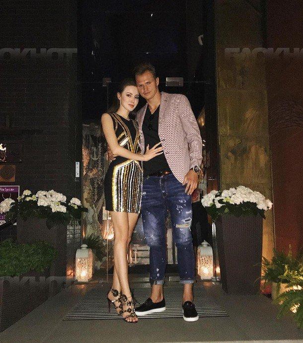 Дмитрий Тарасов иАнастасия Костенко попросили незавидовать ихсчастью