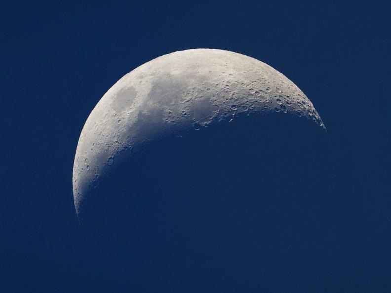 Власти Китая планируют начать в предстоящем 2018г коммерческое освоение Луны