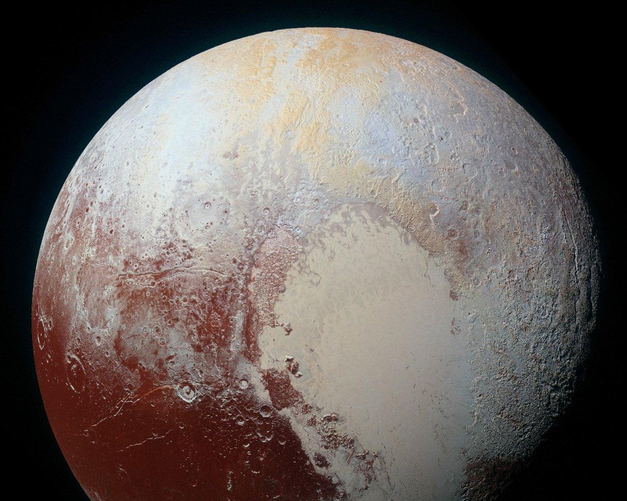 Зонд «New Horizons» заснял семь структур ватмосфере Плутона, может быть, облака