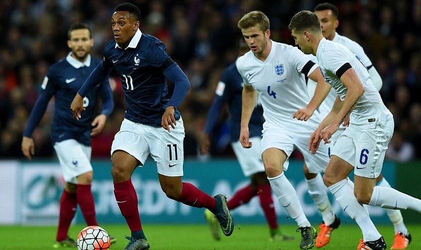 Сборная Франции пофутболу вменьшинстве одолела Англию