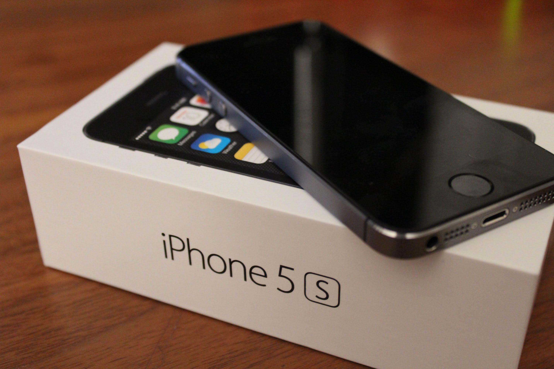 Apple значительно  снизила стоимость наiPhone 5S в Российской Федерации