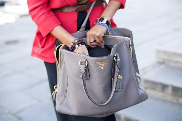 Ученые: дамские сумочки намного грязнее мужских карманов