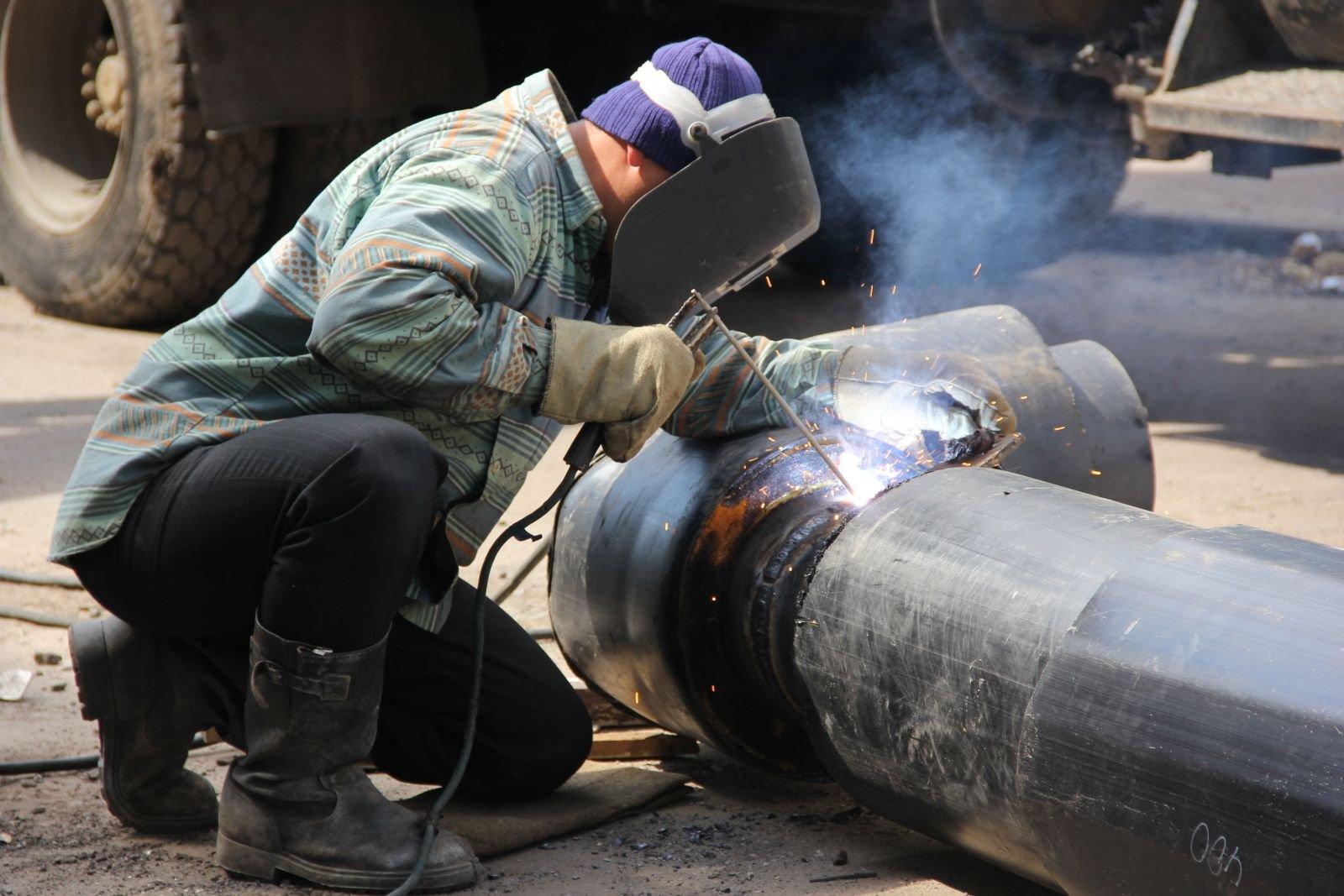 Напрочность испытают трубы еще в 2-х  районах Петербурга