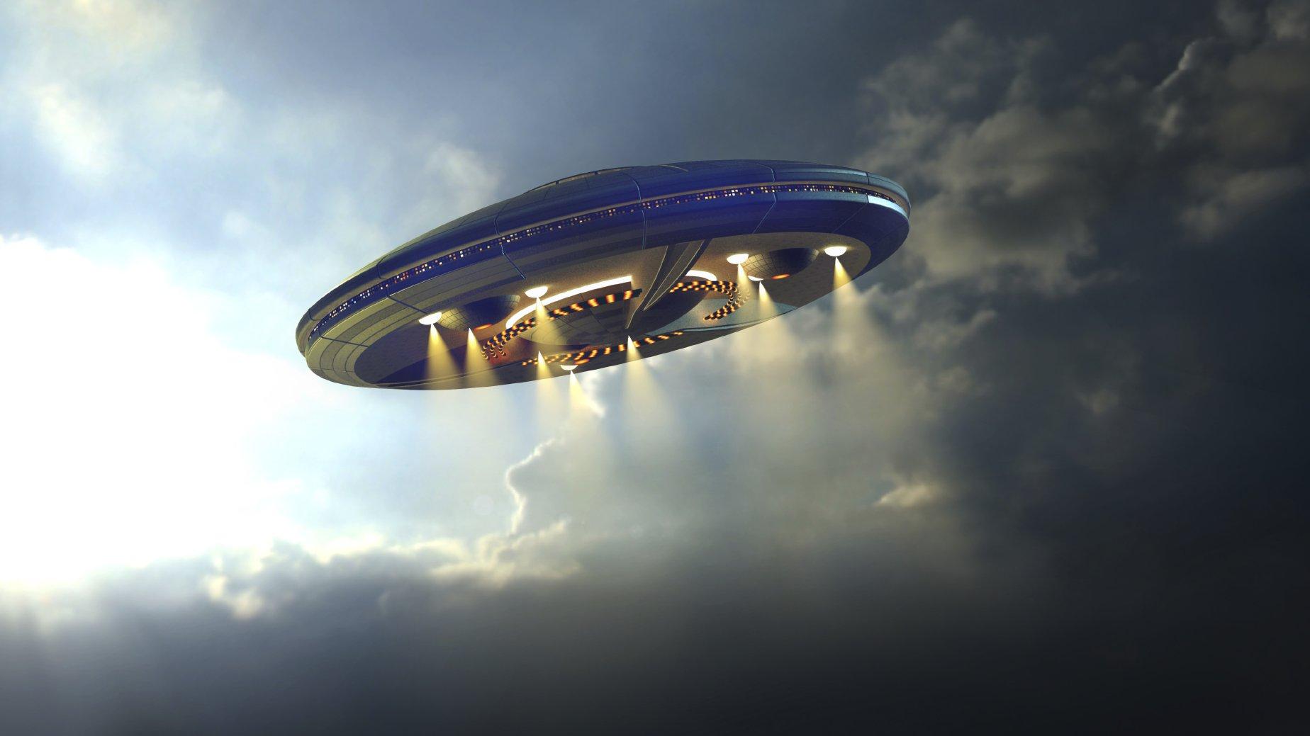 ВПенсильвании очевидец сфотографировал два НЛО