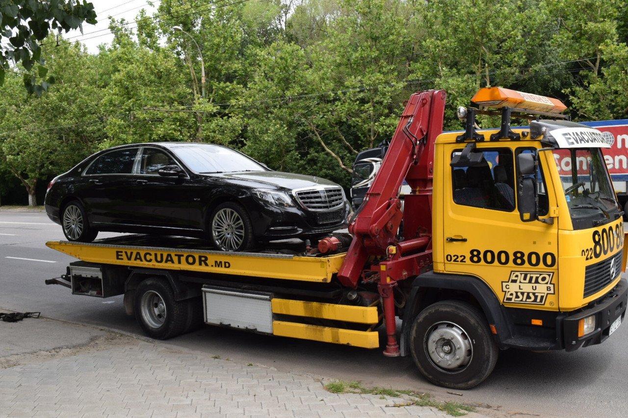 Петербуржец похищал автомобили при помощи личного эвакуатора
