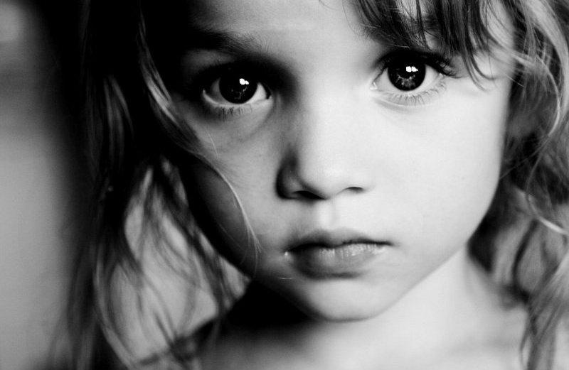 Узбеки два раза изнасиловали 6-летнюю школьницу вподъезде еедома