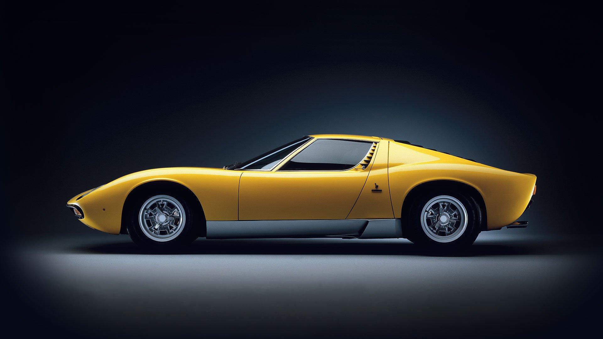 Четырехместный суперкар Lamborghini выйдет не 2025