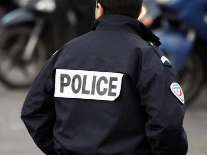 ВСША полицейский ранил коллегу-афроамериканца, приняв его за правонарушителя