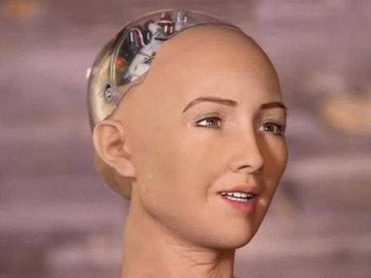 Дама-робот, которая планирует поработить население Земли, поведала омужчине еемечты
