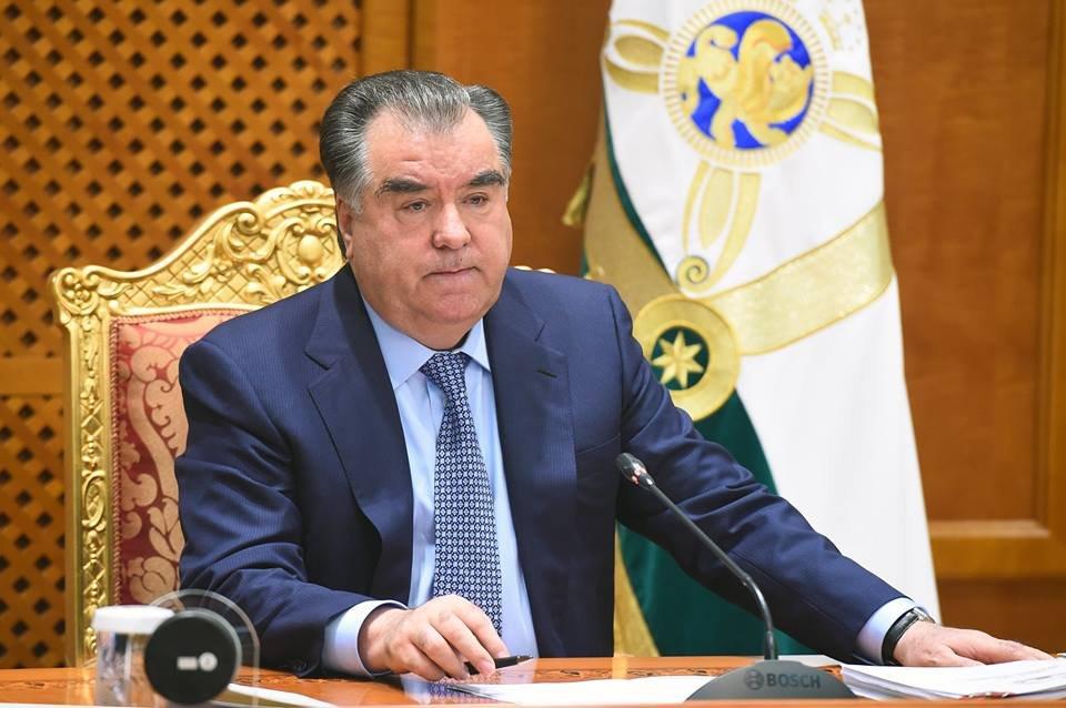 Путин поздравил Рахмона сДнем государственного единства вТаджикистане