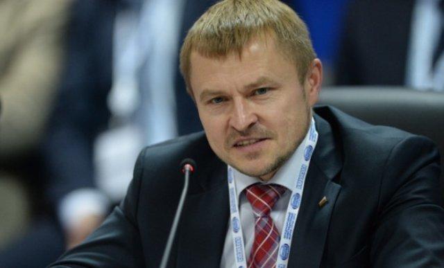 Деловые люди посоветовали запретить в РФ минеральную воду изЕС