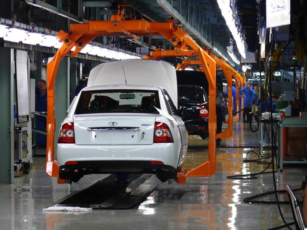 «АвтоВАЗ» хочет доконца года нарастить производство на21%