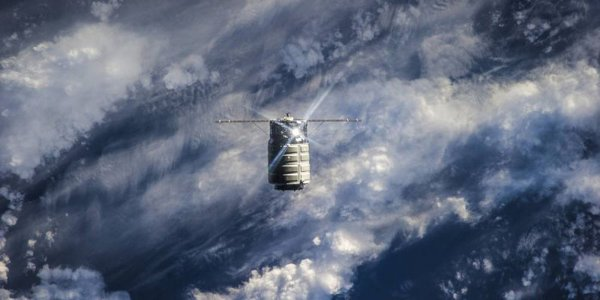 Специалисты NASA устроили третий мощный пожар в космосе
