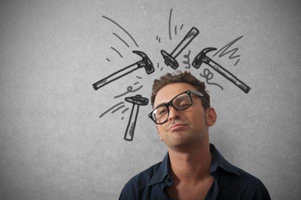 Ученые назвали причину головных болей по утрам
