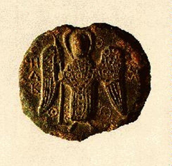Археологам удалось обнаружить при раскопках в Великом Новгороде 21 древнюю печать