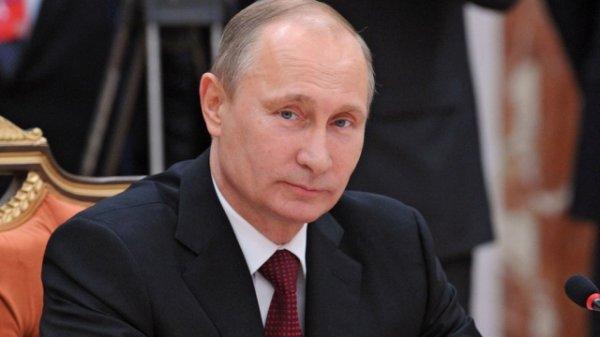 Владимир Путин обсудил с эмиром Катара дипотношения двух стран