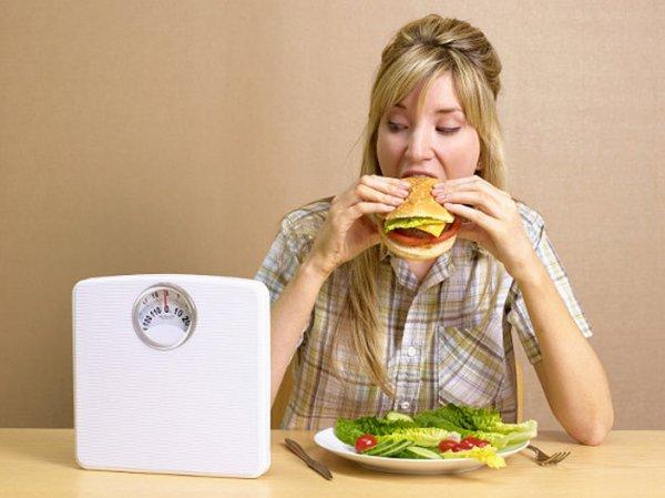 Ученые: Женщины не способны подавить чувство голода силой мысли