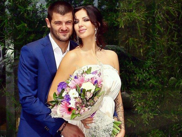 Хоккеист Радулов развелся с гимнасткой Дарьей Дмитриевой