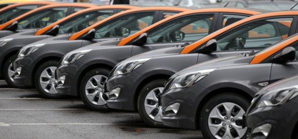Один автомобиль каршеринга в Москве используют восемь раз в день