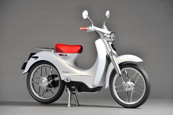 Honda выпустит в 2018 году первый электроскутер
