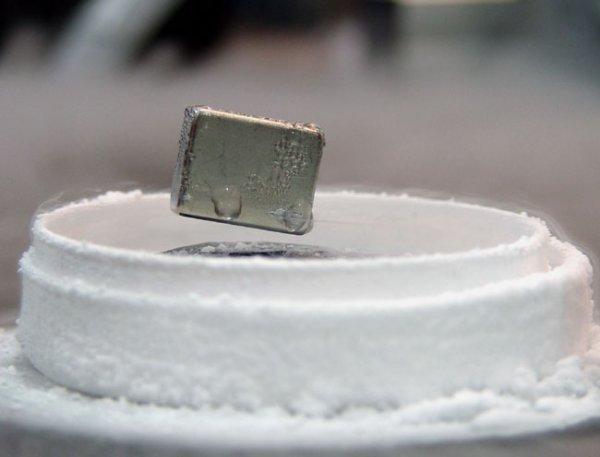 Ученые изобрели сверхпроводник, работающий при высокой температуре