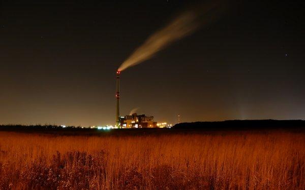 В Саратовской области рабочему завода станком измельчило руку