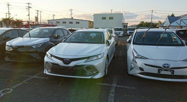 Опубликованы «живые» фото нового поколения Toyota Camry