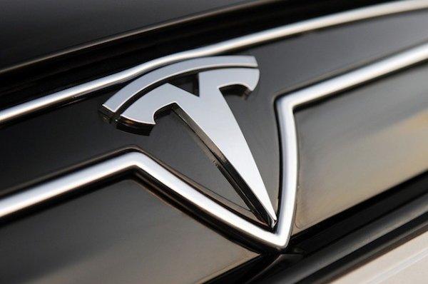 Tesla наняла нового эксперта по разработке искусственного интеллекта