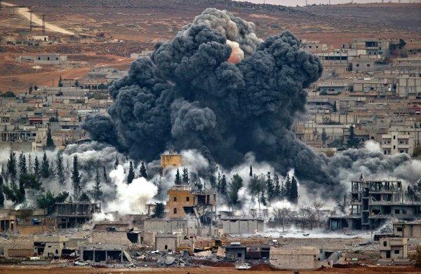 Силы ВМФ РФ атаковали ракетами объекты ИГИЛ в Сирии
