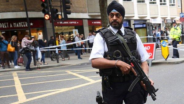 Более 40 террористов избежали депортации из Великобритании благодаря лазейке в законе
