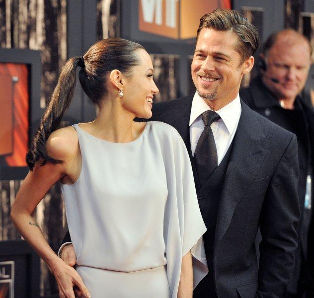 Анджелина Джоли иБрэд Питт впервый раз встретились после развода