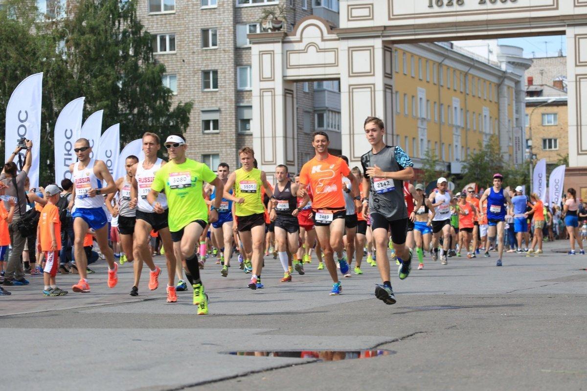 Молодой бегун скончался вовремя забега «Июльская жара» вКрасноярске