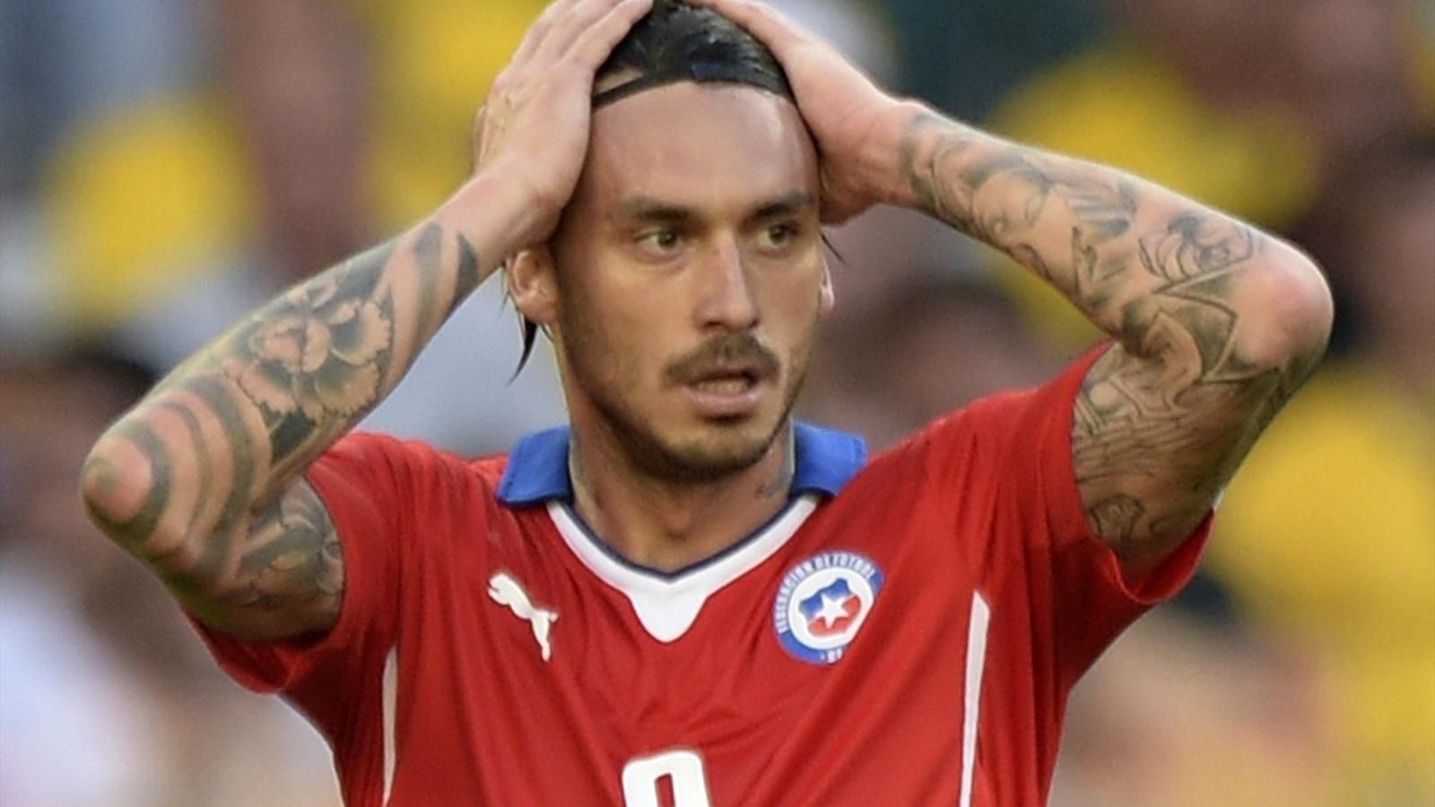 Чилийского футболиста обворовали вовремя финала Кубка конфедераций