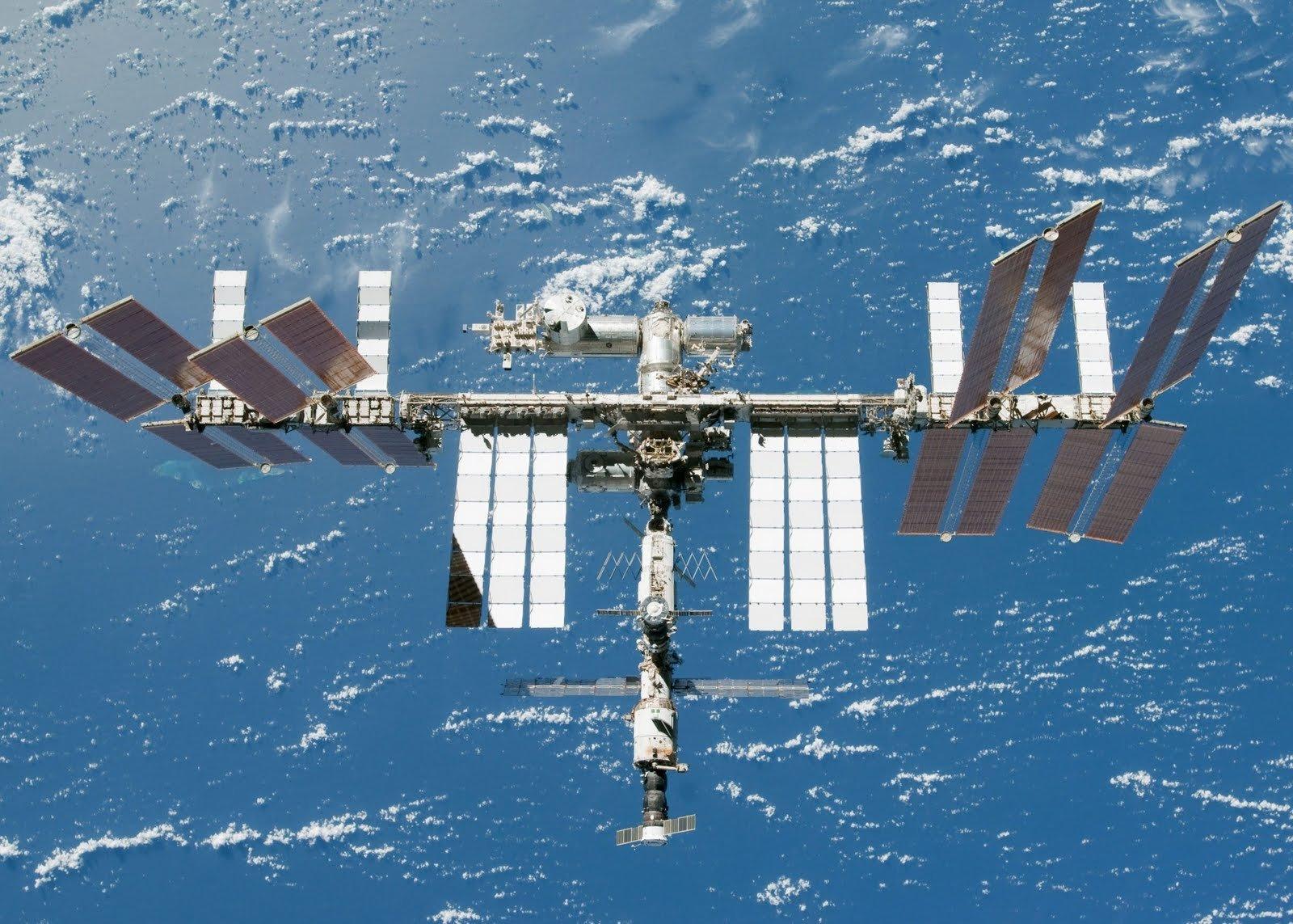 Русские космонавты запланировали необычайный эксперимент слунным ровером