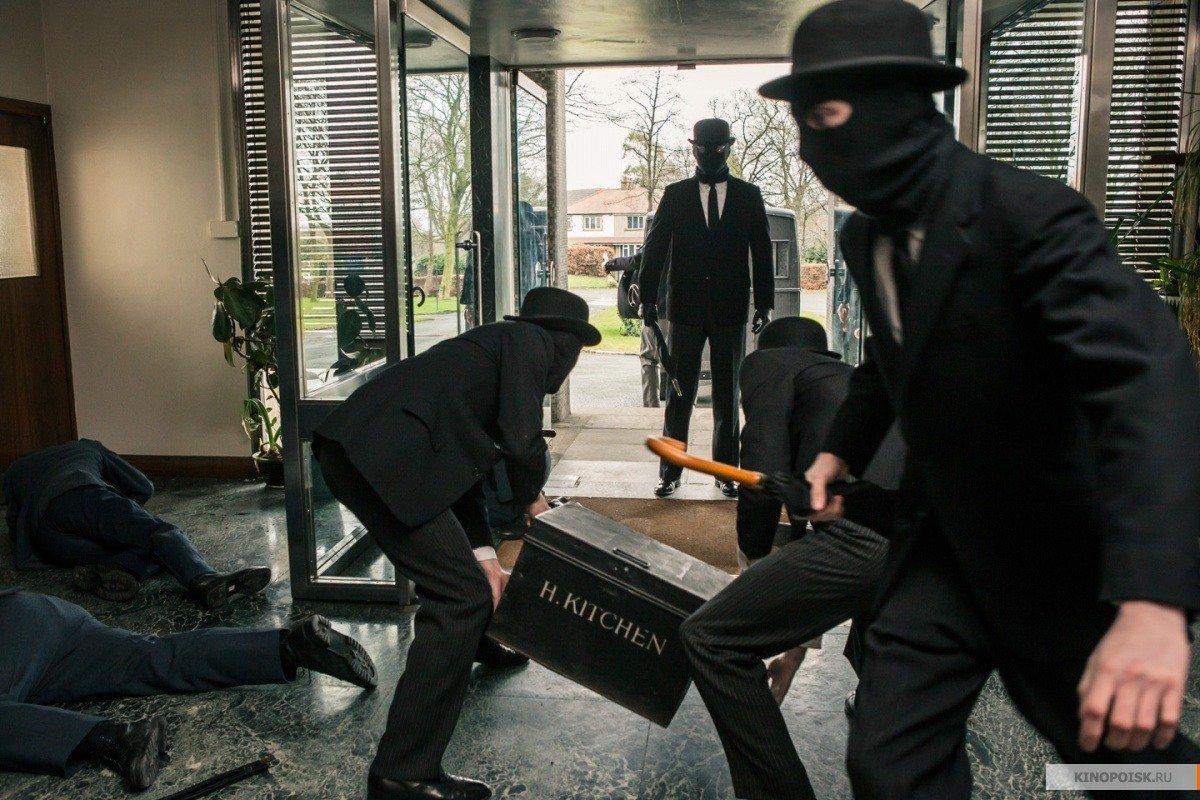 Изторгового центра насеверо-востоке столицы похитили банкомат