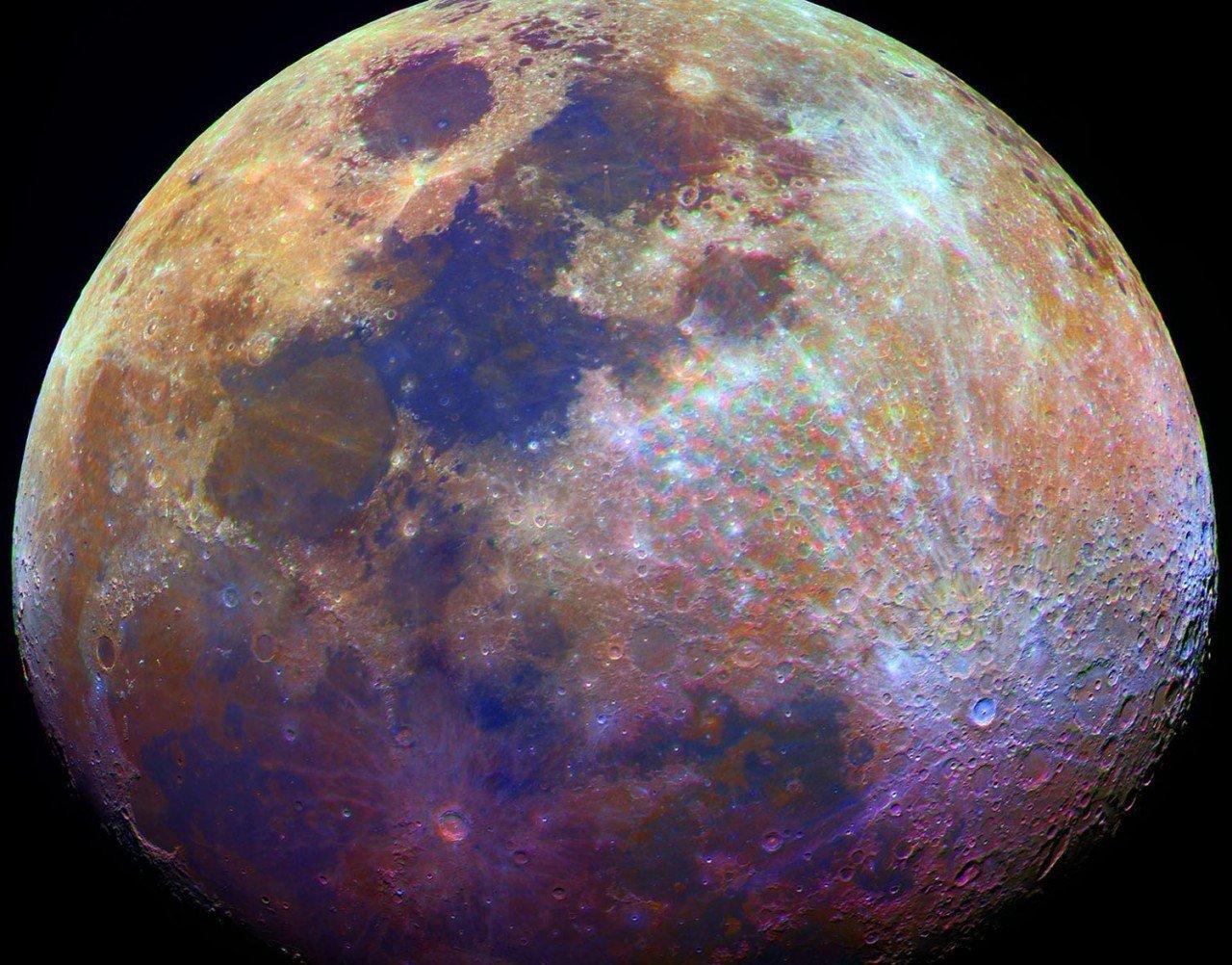 Космологи раскрыли настоящий цвет Луны