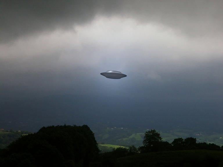 Охотник заНЛО нашел  навидео сМКС необычную  вспышку