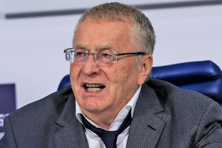 Жириновский предложил потасовки футболистов вконце матча вместо пенальти