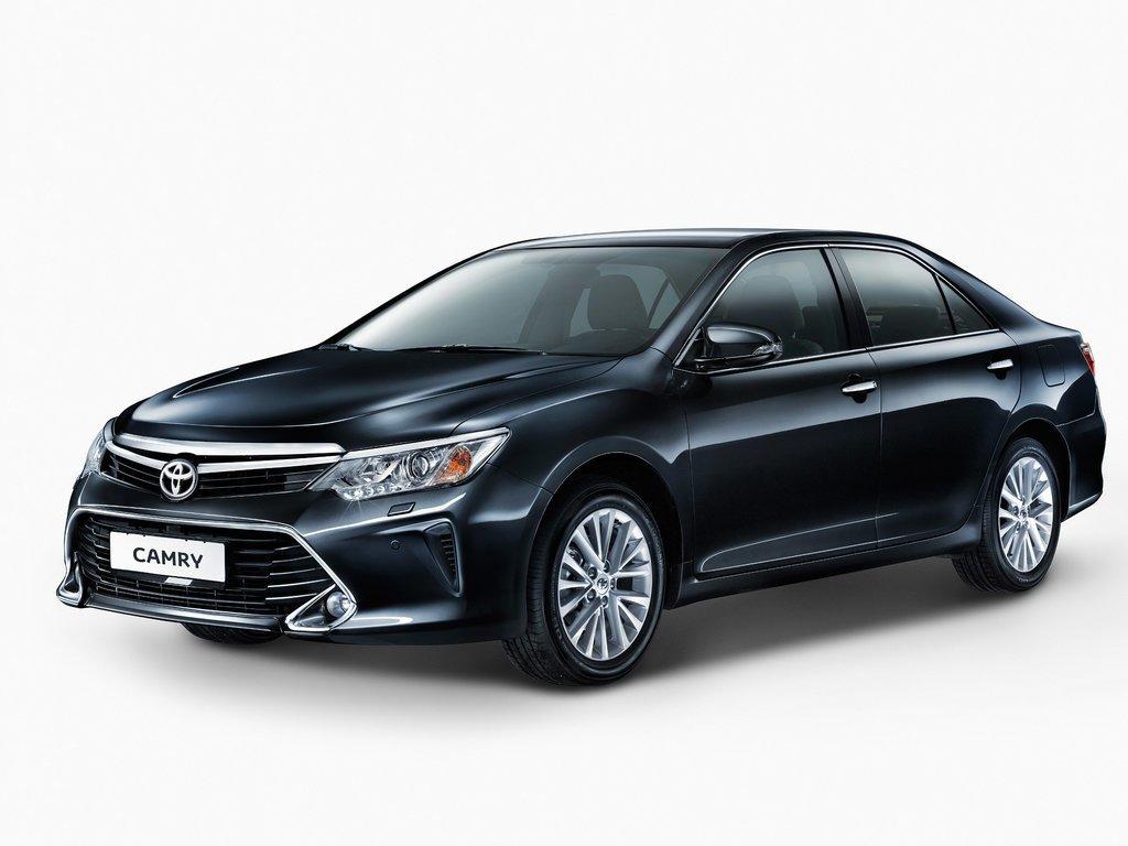 Тойота Camry стала самым известными бизнес-седаном на рынке автомобилей РФ