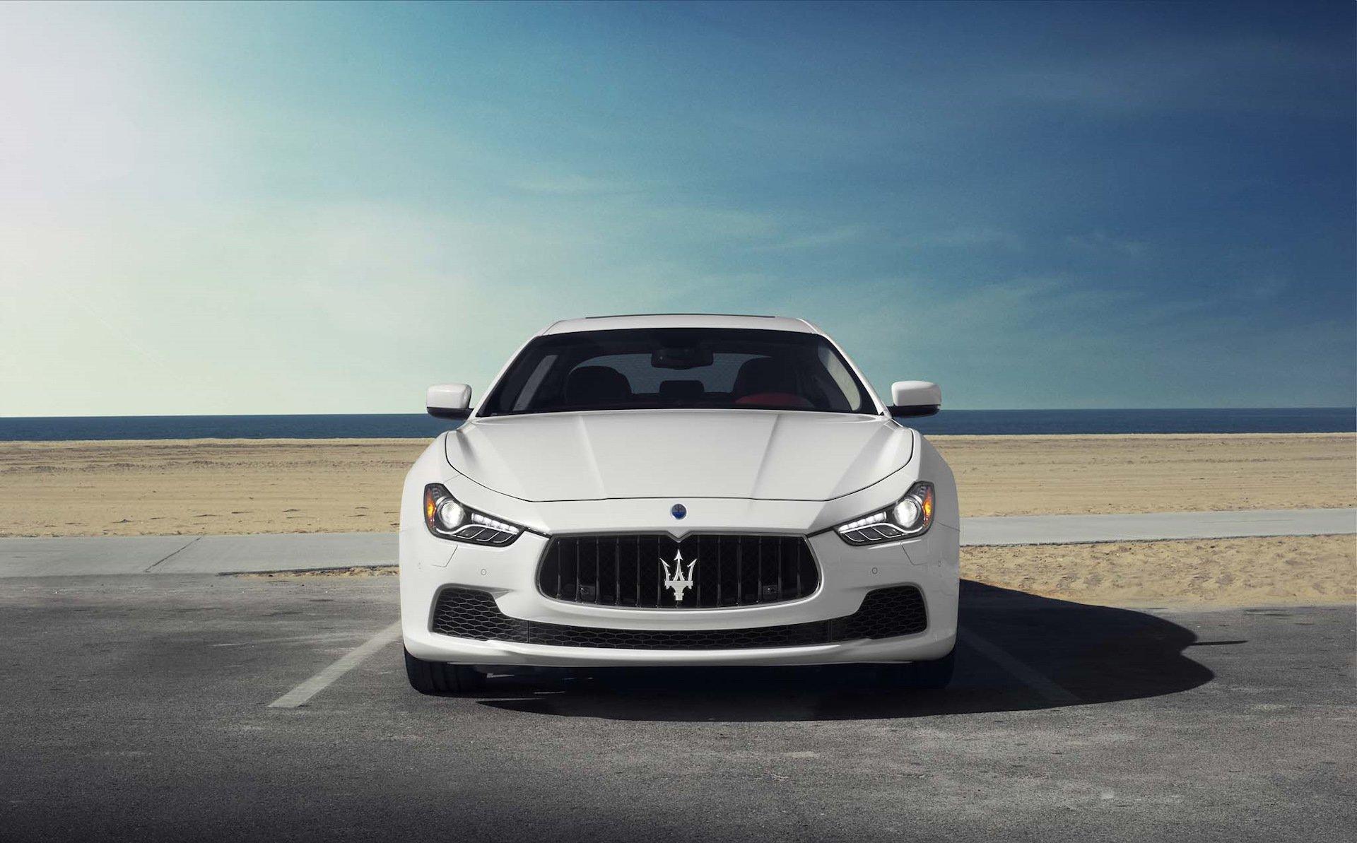 Мантуров не исключает повышения налога на дорогие автомобили