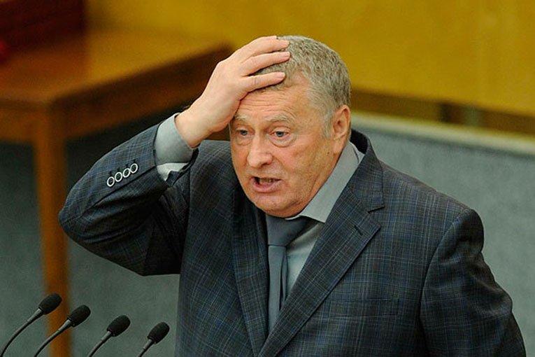 Жириновский сделал неменее  10 000 селфи