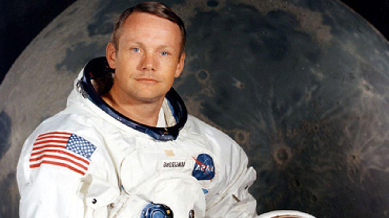 Собранная Армстронгом лунная пыль уйдёт смолотка