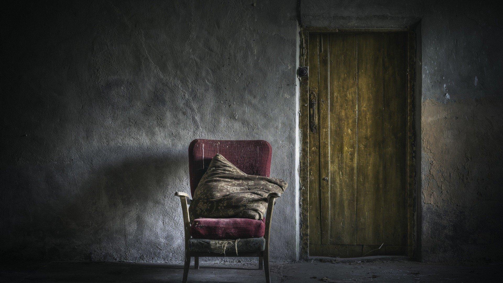 ВЭстонии русская семья лишилась дочери из-за «старых обоев»
