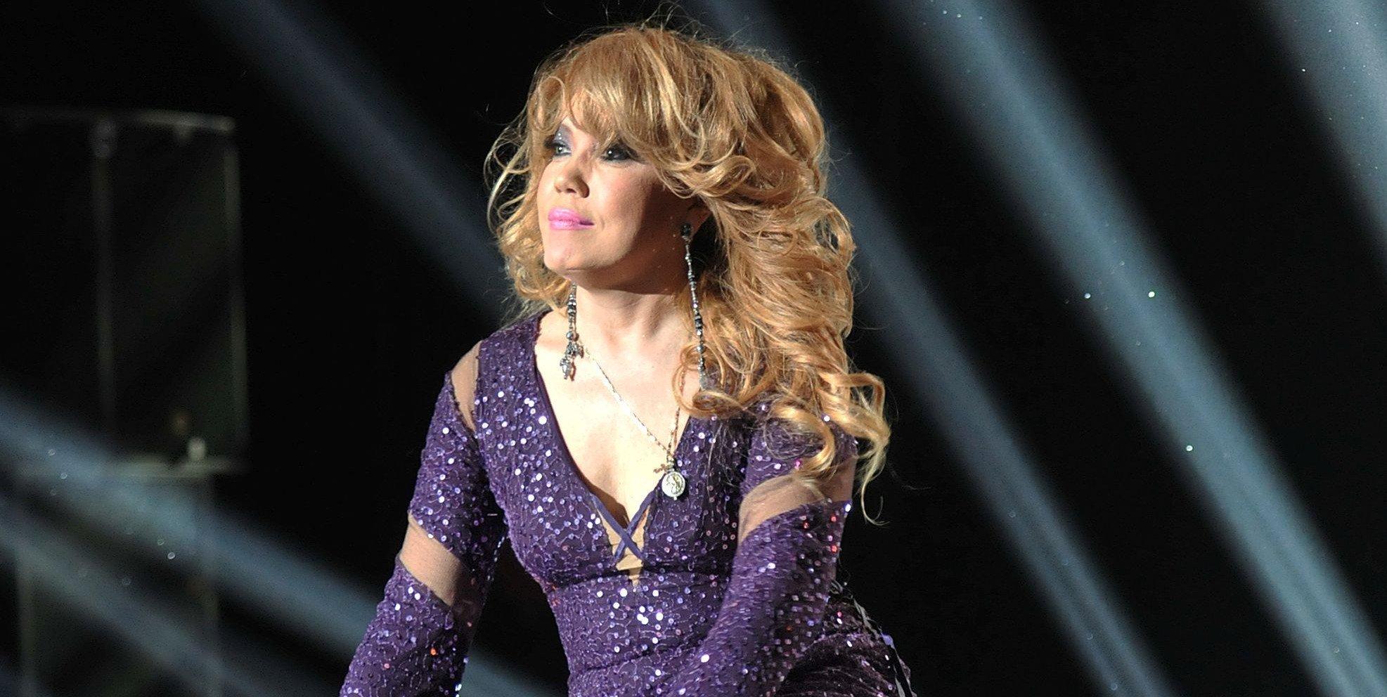 ВВитебске эстрадная певица Азиза стала жертвой нападения возбужденного поклонника