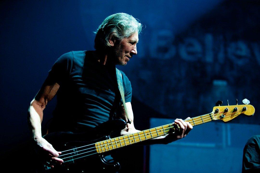Зрители покидают концерт основоположника Pink Floyd из-за критики Трампа