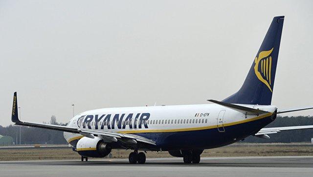 Пассажир рейса Ryanair снял навидео жесткую посадку самолета
