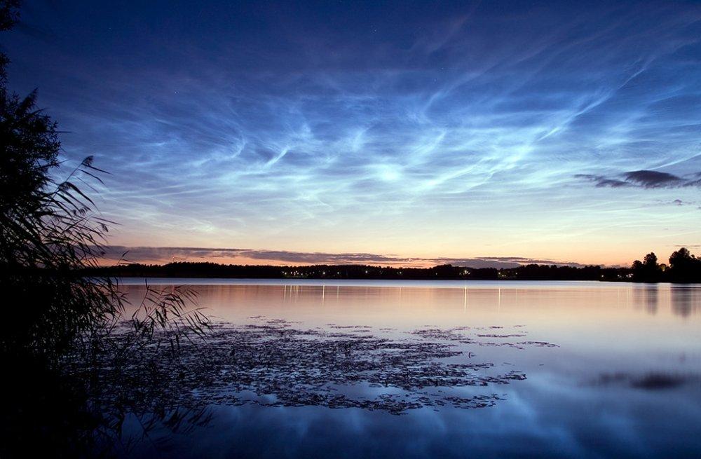 Серебристые облака: неповторимое небесное явление увидели граждане Барнаула