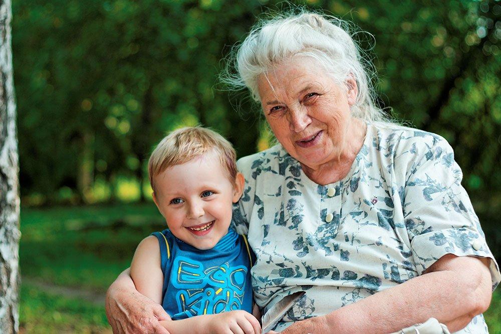 Ученые высчитали, когда появились первые бабушки