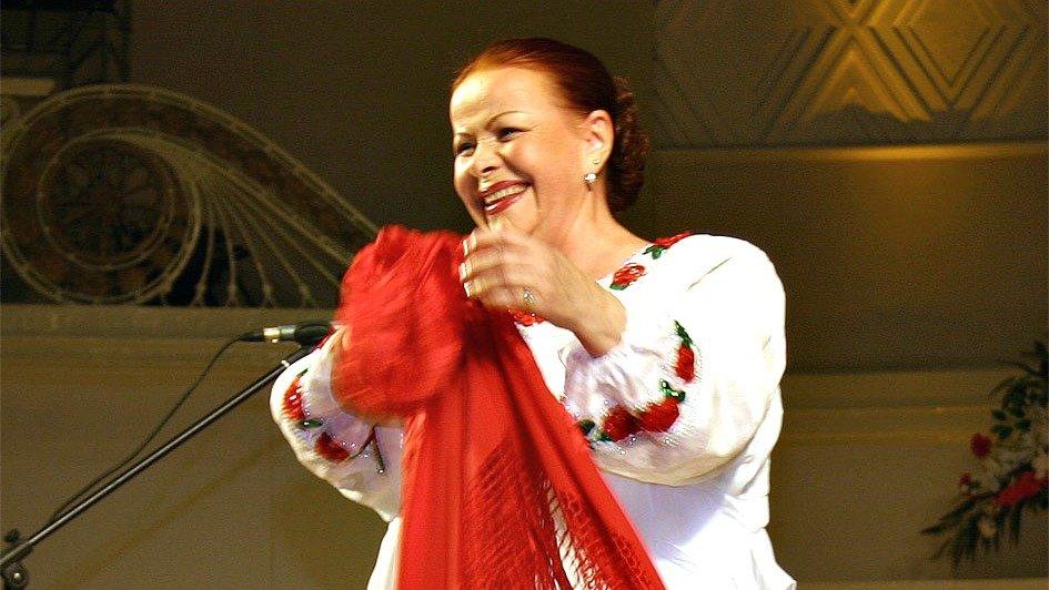 Любимая эстрадная певица Хрущёва иБрежнева доставлена вбольницу сподозрением наинсульт